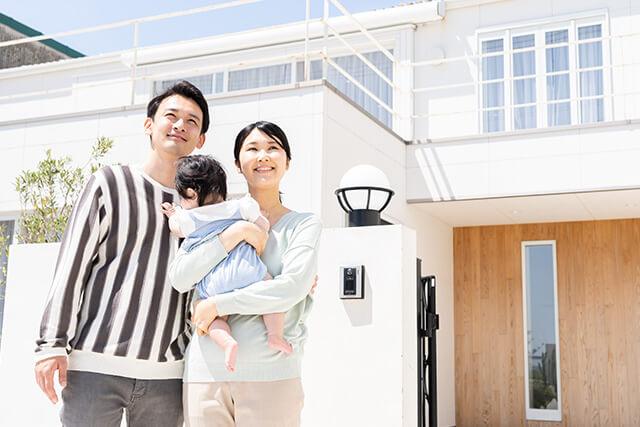 引っ越しを考える家族
